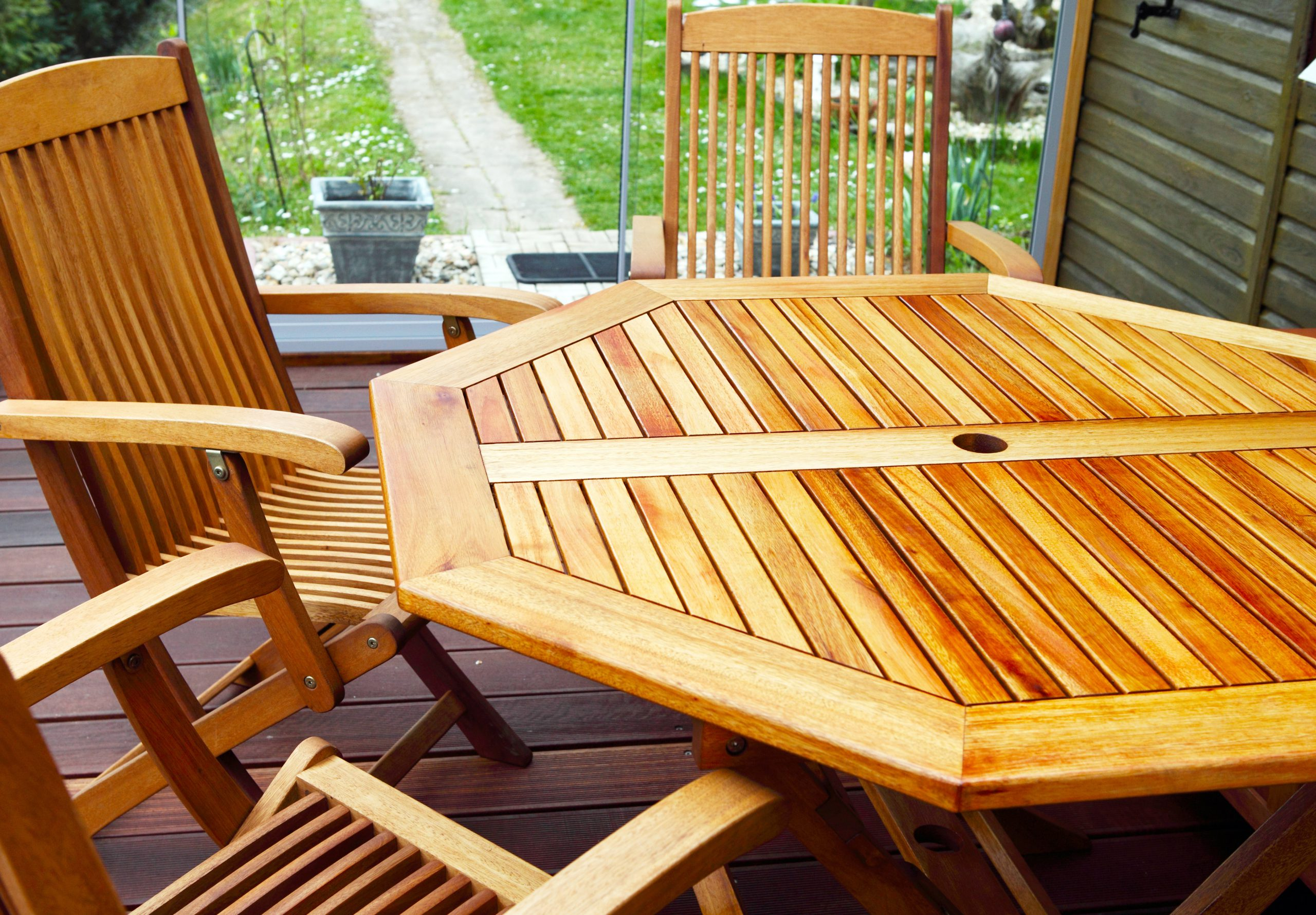 Tips for Finding High Quality Teak Patio Furniture